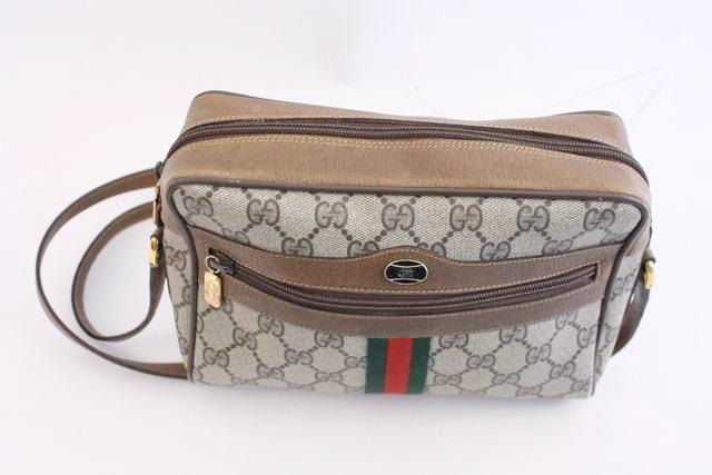 3bce2d56cd97 Vintage GUCCI Ophidia GG Supreme Bag at Rice and Beans Vintage