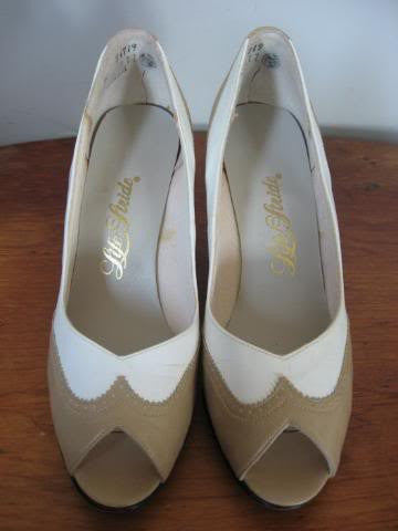 Vintage 70's White and Tan Leather Open Toe Spectator Pumps Heels, sz 7.5