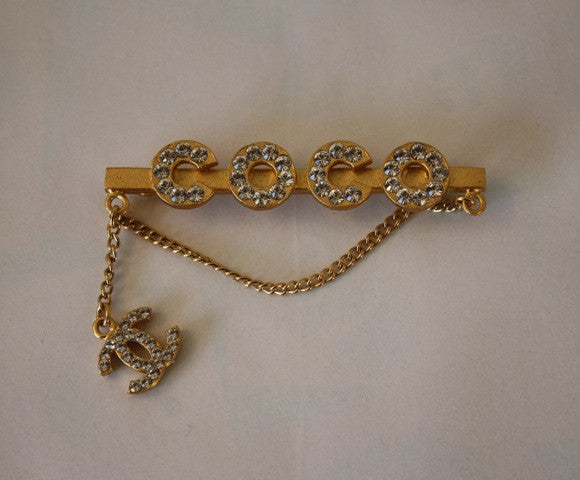 "02P CHANEL ""COCO""  Rhinestone & Gold Bar Brooch Pin with Chain & CC Charm with Box"
