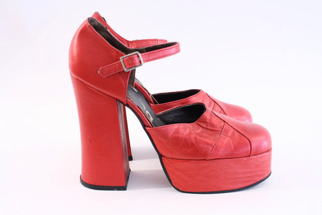 Vintage Sacha red metallic platform shoes