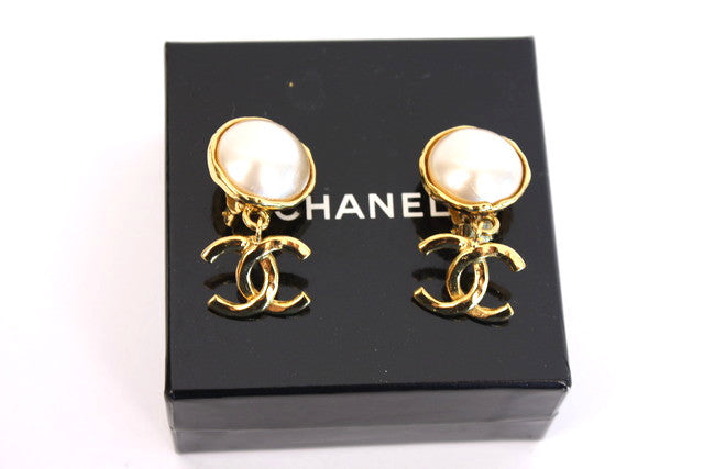 Vintage Chanel Pearl CC Earrings