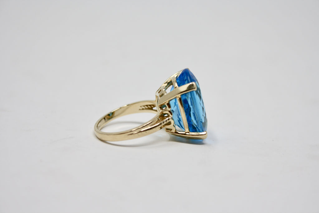 Vintage Blue Topaz 10K Gold Cocktail Ring