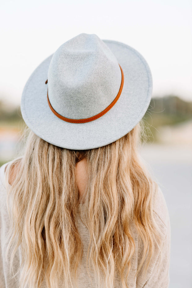 Brown Belt Panama hat: Light Grey