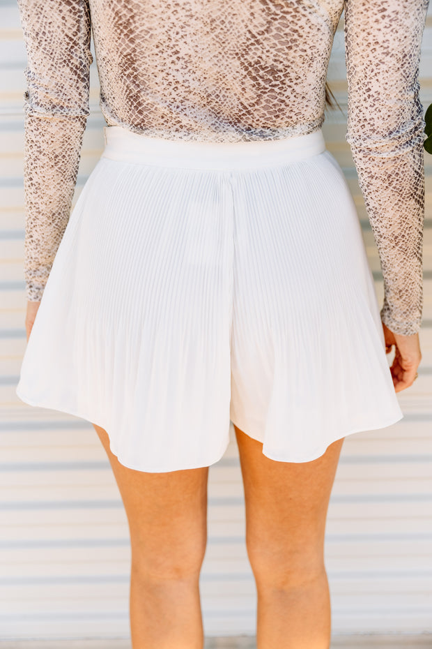 Pleats to meet you Shorts - Shop Amour Boutique Online