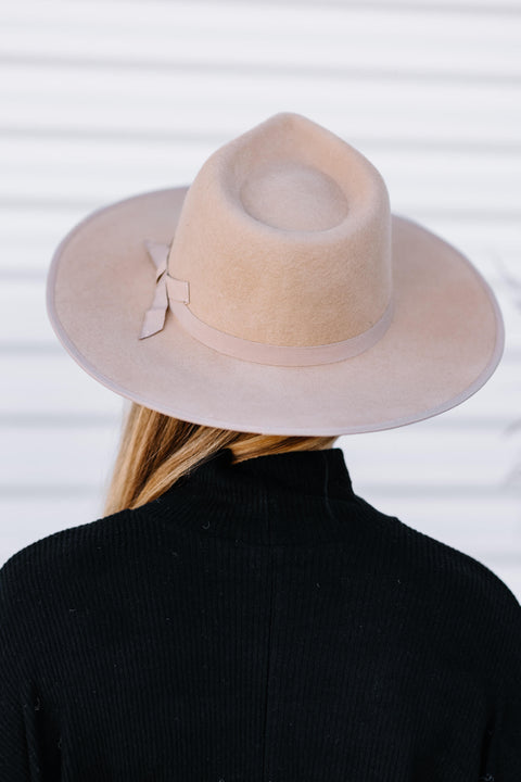 Looking Good Wool Felt Hat: Ivory