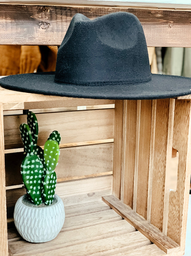 Solid Felt Hat: Black