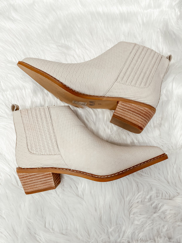 Chelsea Bootie: Francis- Off White