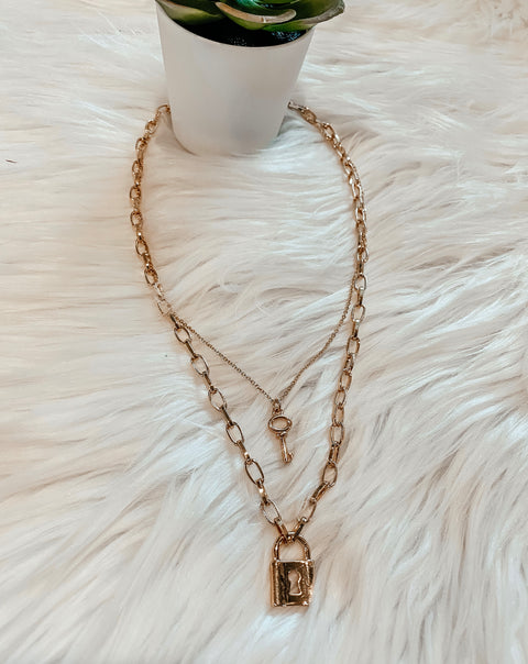 Layered Key Padlock Pendant Necklace