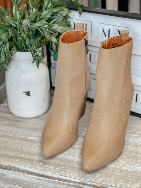 Tory Bootie: Toffee
