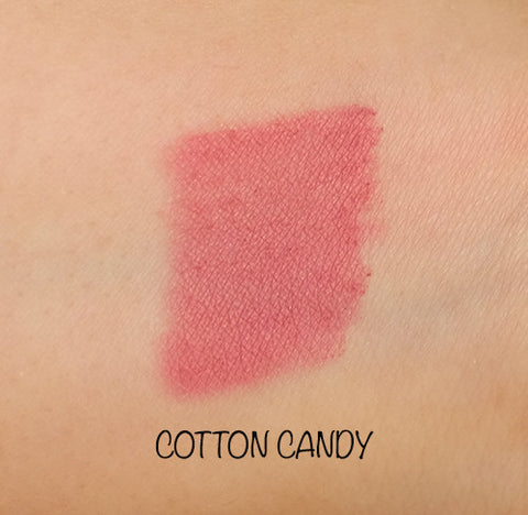 Motives lip crayonfor La La Mineral  - cotton candy