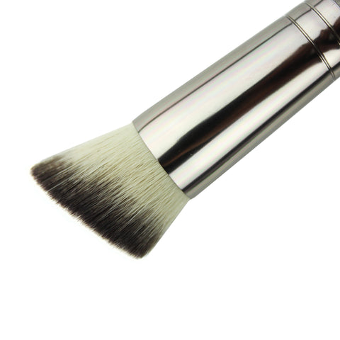 Makeup Geek Brush -  Angled Stippling Brush