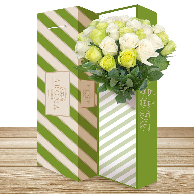25 CLASSIC ROSE BOUQUET White and Green