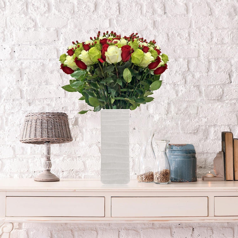 Rose Christmas time Bouquet - EbloomsDirect