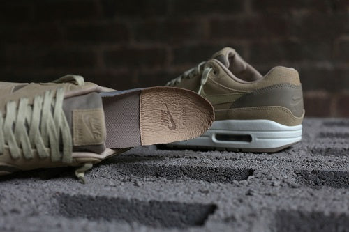 buy online 30a26 3df3f NIKE AIR MAX 1 PREMIUM LEATHER TAN The Air Max 1 despite fewer releases  this year is still considered to be one of the best selling silhouettes.