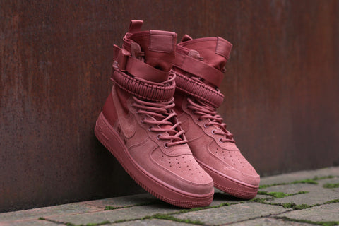 Nike SF Air Force 1 Dusty Peach </p>                     </div> 		  <!--bof Product URL --> 										<!--eof Product URL --> 					<!--bof Quantity Discounts table --> 											<!--eof Quantity Discounts table --> 				</div> 				                       			</dd> 						<dt class=