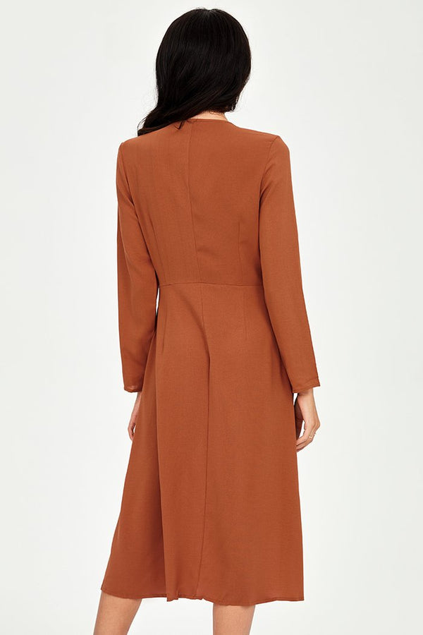 Robe mi-longue orange à col en V