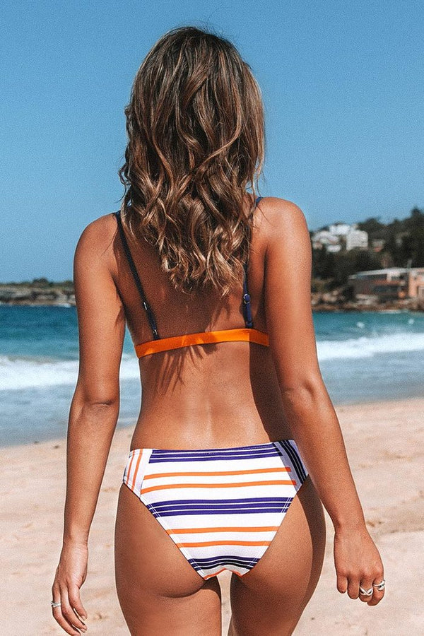 Ensemble bikini orange et rayé
