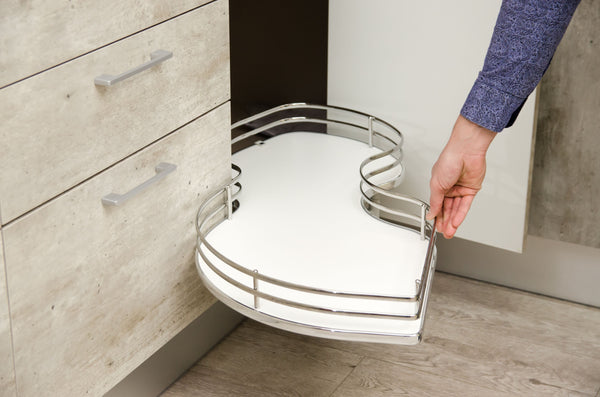a pull-out kitchen shelf