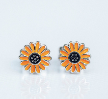 Load image into Gallery viewer, Sunflower Stud-PuraVida