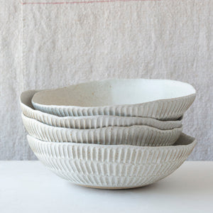 Carved Eggshell Serving Bowl - Speckle White