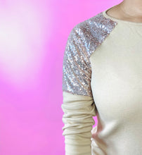 Load image into Gallery viewer, Gold Sequins Shoulder Top