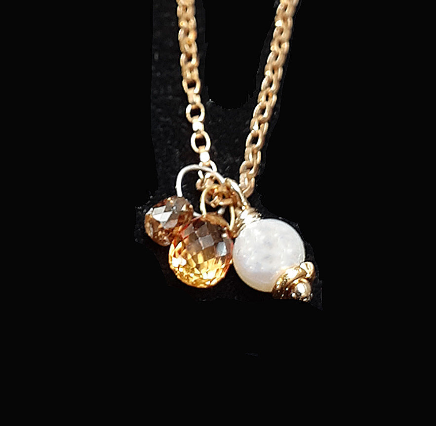 MIni-Necklet Cognac Diamond + Sapphire Drop with White Freshwater Pearl