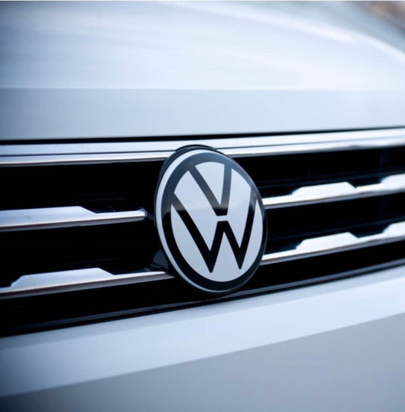 VW MK2 Tiguan Smooth Front Emblem