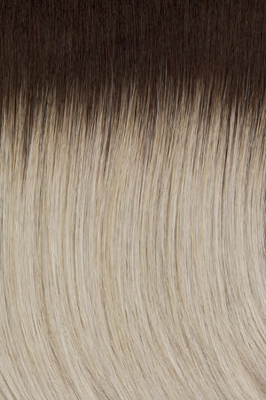 60/101GR | Silver tones with light platinum highlights and brown roots