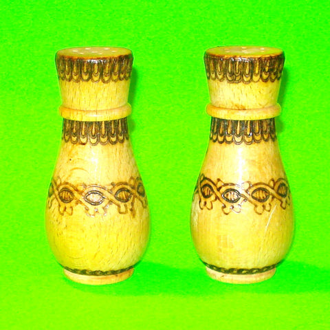 Country Chic Salt & Pepper Shakers