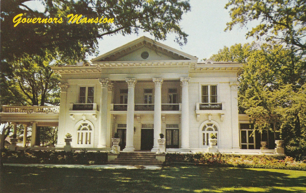USA - Alabama - Montgomery - Governor's Mansion Front View Postcard
