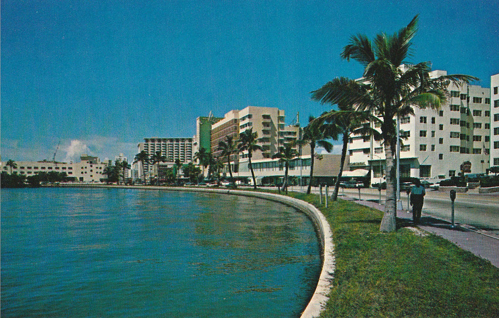 USA - Florida - Miami Beach - Lake Pancoast Postcard