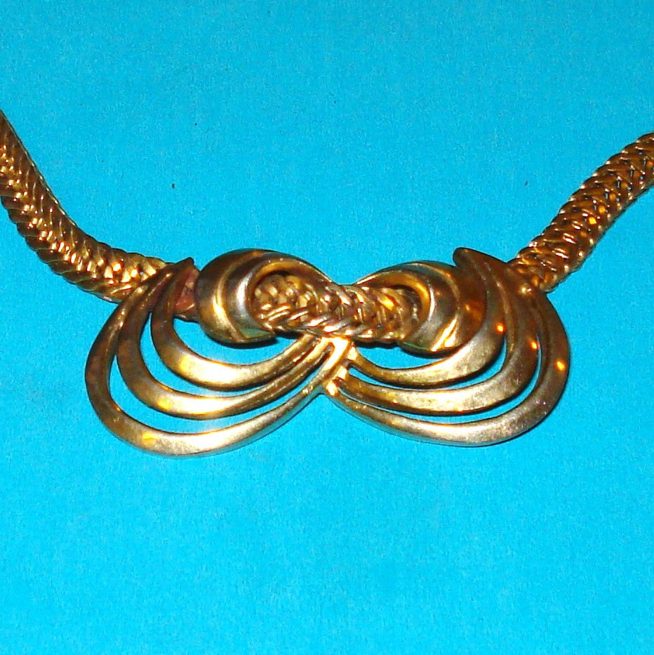 Tara Sperry Gold Knot Necklace