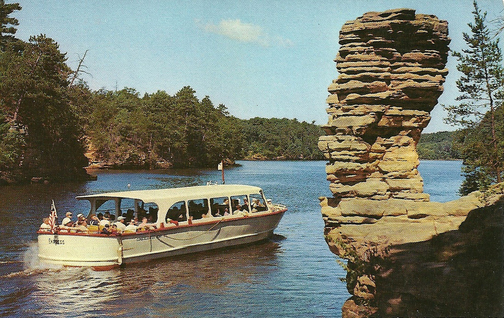 USA - Wisconsin - Wisconsin Dells - Chimney Rock Postcard