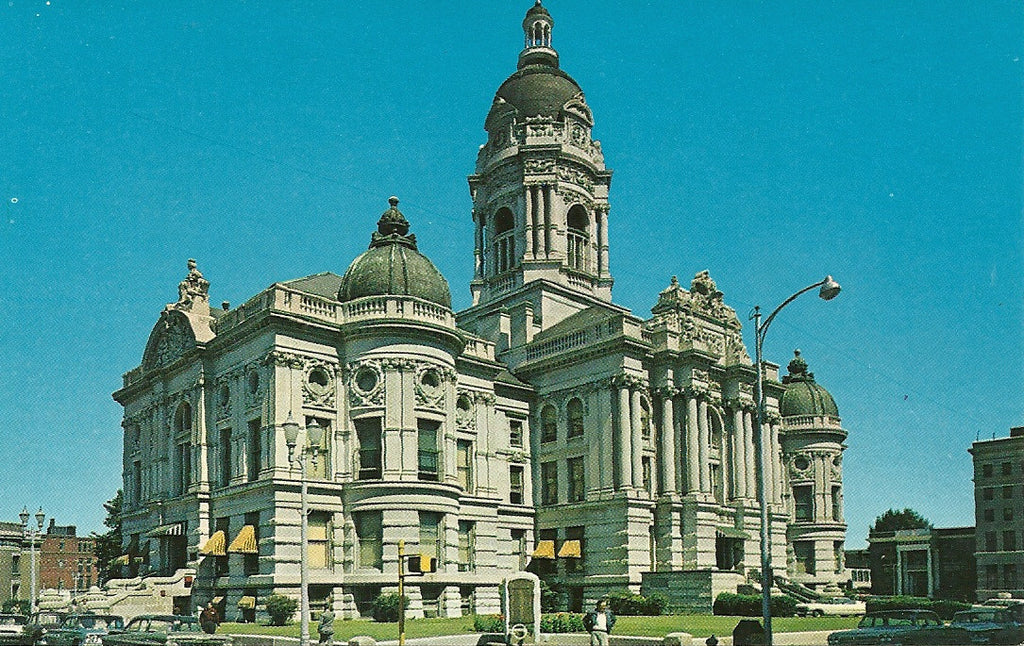 USA - Indiana - Evansville - Vanderburgh County Courthouse Postcard