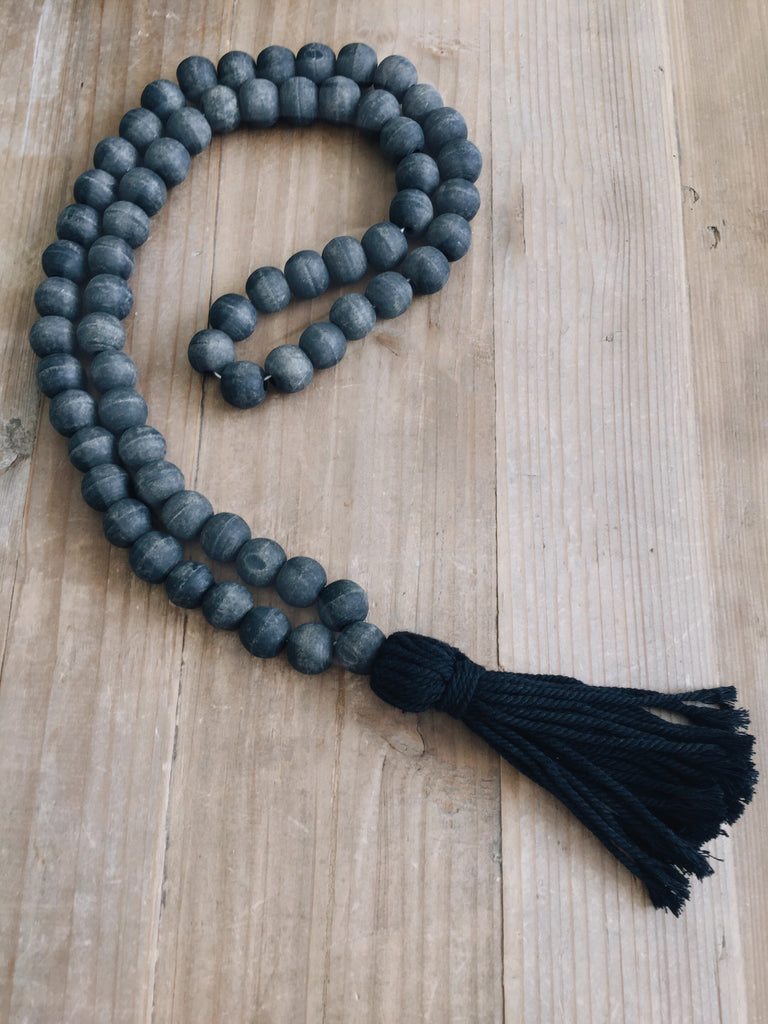 Wooden Garland ( Black )