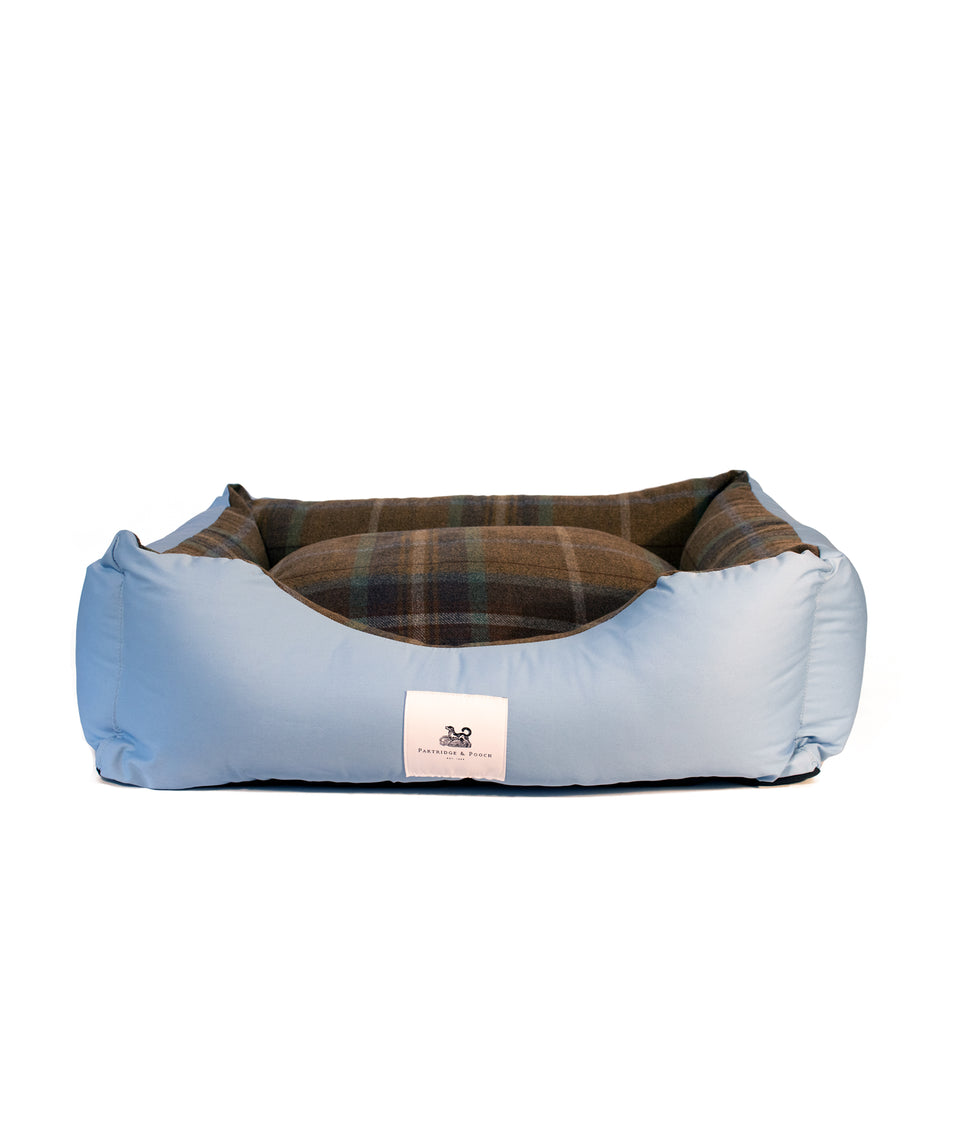 Light blue dog bed with Check