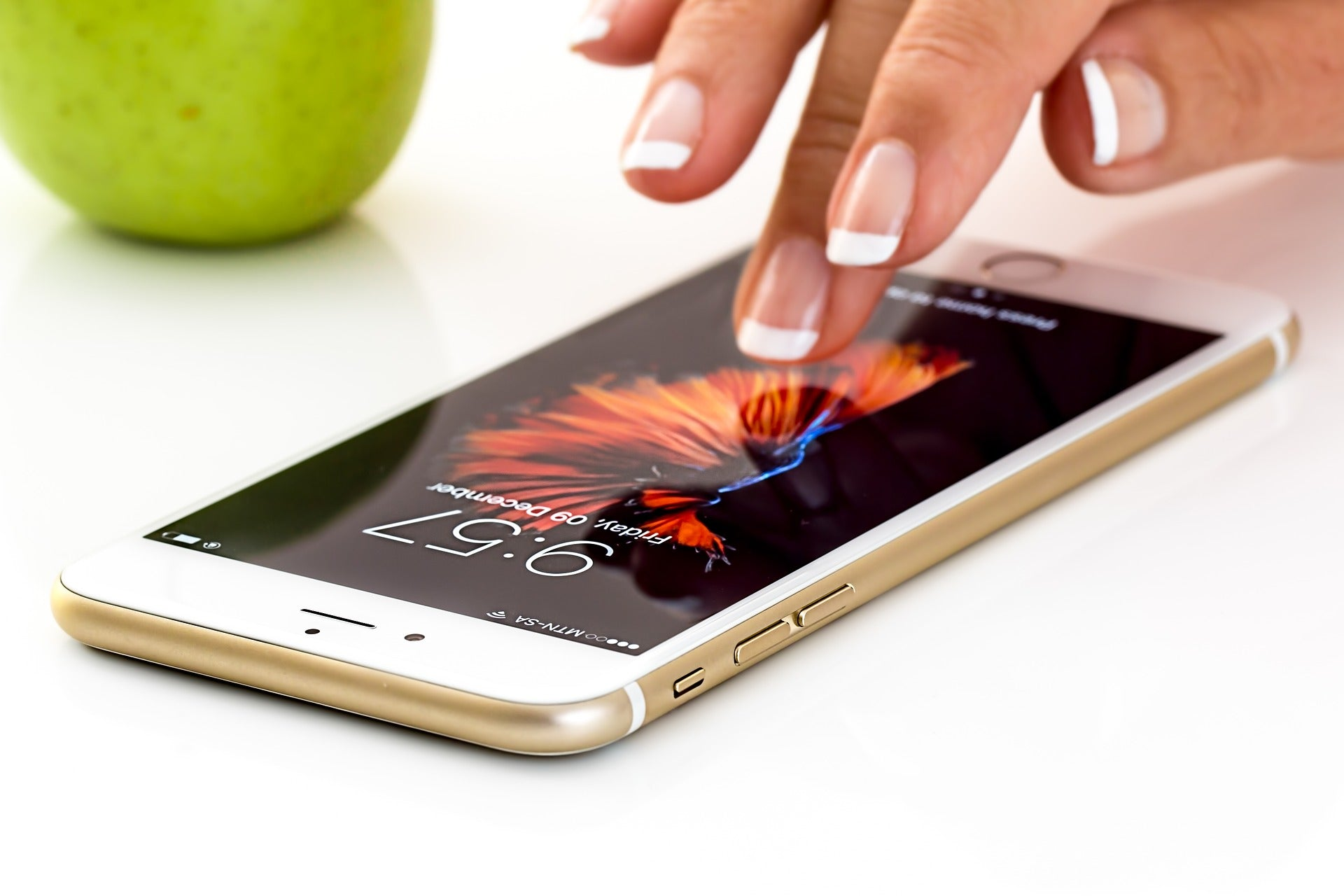 Phone Screen Cleaning Hacks That Do More Damage Than Good