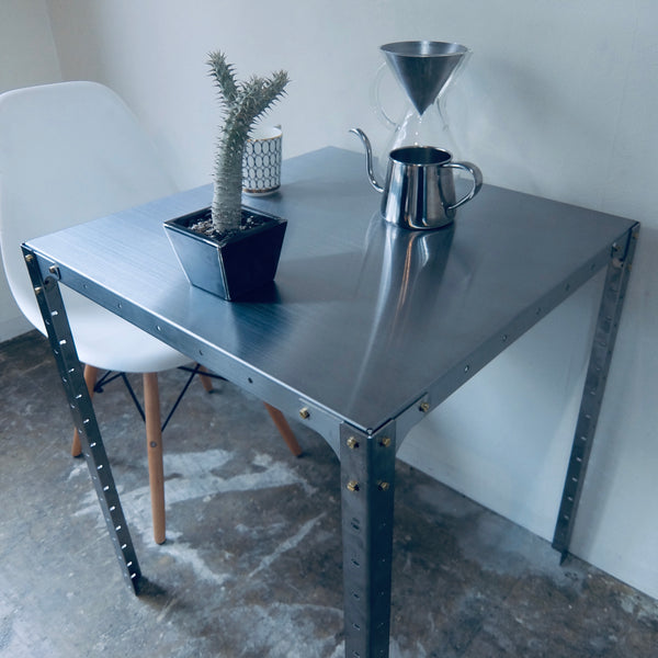 Cafe Table 600×600×580