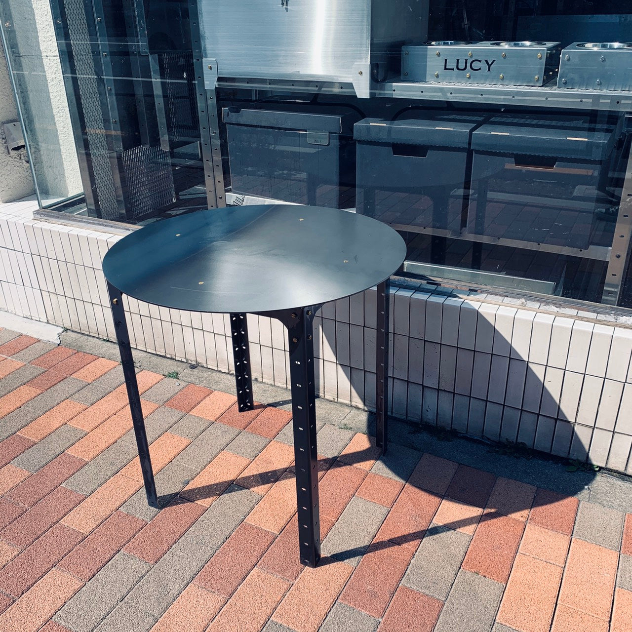 CAFE TABLE (ROUND)