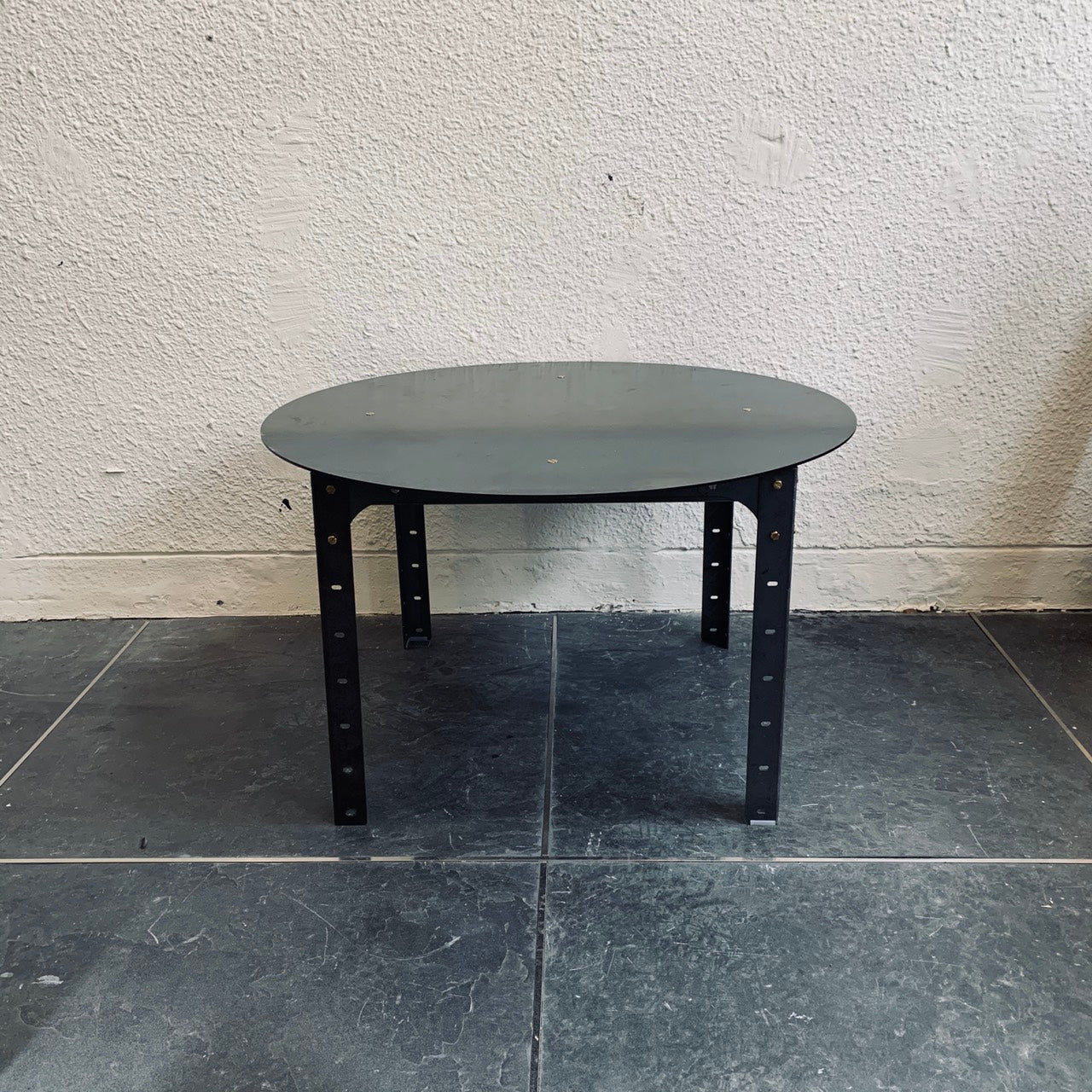 LOW TABLE (ROUND)