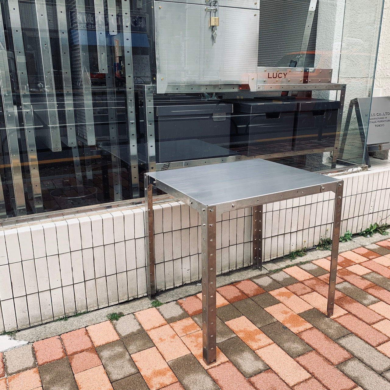 【REFURBISHED】CAFE TABLE (STAINLESS)
