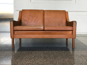 Danish Modern Leather Settee in the Style of Børge Mogensen