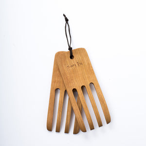 "7"" Wooden Salad Hands - KESTREL"