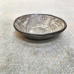 Speckle Shallow Bowl with Ash Glaze Iron Decoration