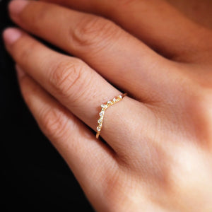V Shaped Diamond Contour Band Ring - KESTREL