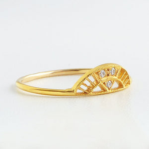 14K Archena Ring - KESTREL