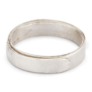 Ruth Tomlinson 5mm 9k White Gold Wrap Band-size 9.5 - KESTREL