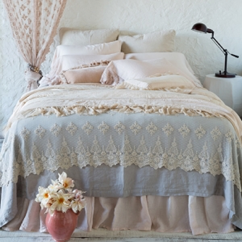 Vintage lace throw
