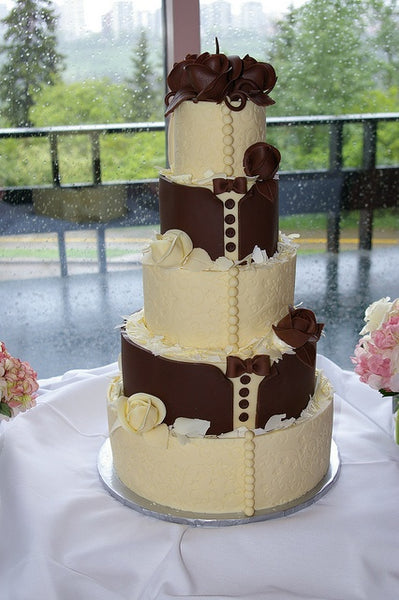 Chocolate Bride & Groom Wedding Cake