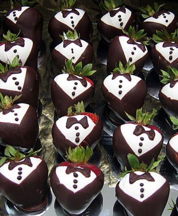Chocolate Dipped Tuxedo Strawberries